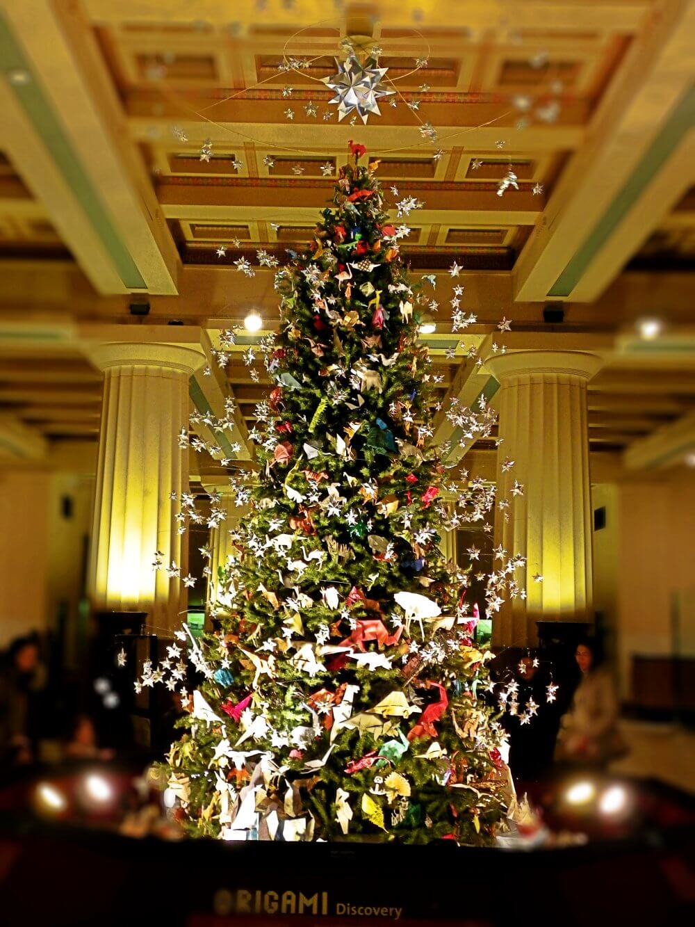 must do in nyc at christmas best christmas tree tour American museum of natural history origami tree