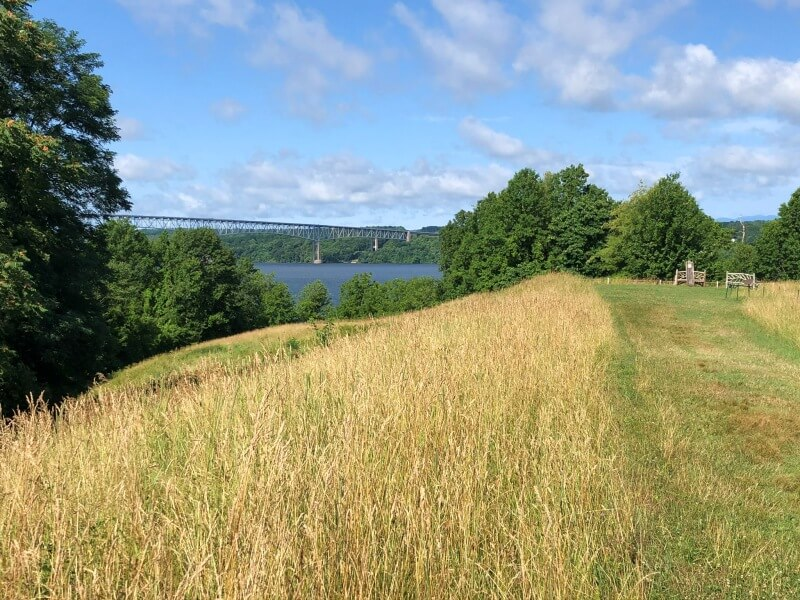 Poets Walk Trail Room 7 lookout with view of mid hudson bridge
