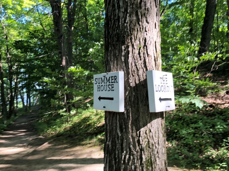 Sign to summerhouse Poets Walk Trail
