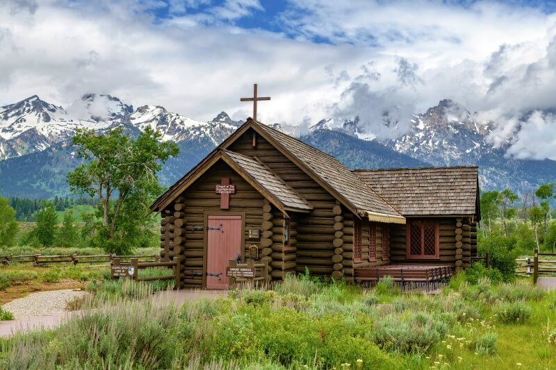 Chapel of the Transfiguration on Grand Tetons scenic loop drive